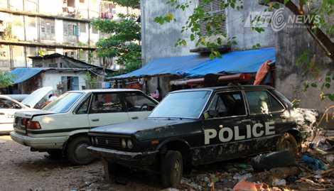 Yangon đúng là một bãi rác xe ô tô của thế giới (Ảnh: Nhạc Dương)
