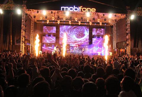 """Tối 14/12, """"Siêu bão"""" MobiFone RockStorm 2013 đã đổ bộ đến Đà Nẵng"""