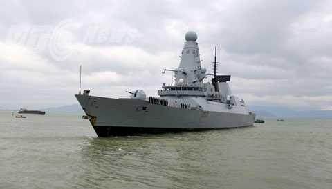 Sáng 18/12, khu trục tàng hình HMS Daring mang số hiệu D32 của Hải quân Hoàng gia Anh đã đến Đà Nẵng