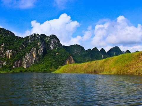 Khu du lịch hồ Quan Sơn (huyện Mỹ Ðức)
