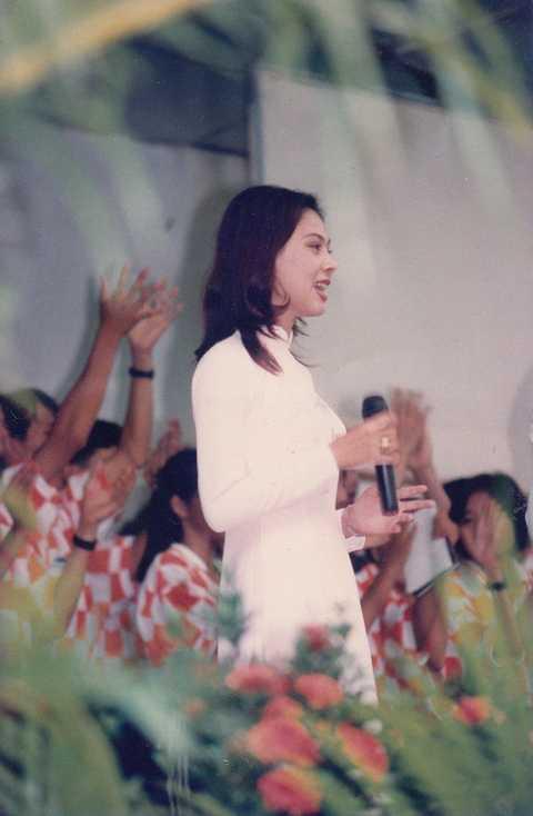 Liveshow tái hiện lại con đường âm nhạc của Thanh Thảo  từ những ngày đầu khó khăn, phải đi hát lót, hát tiệc cưới…