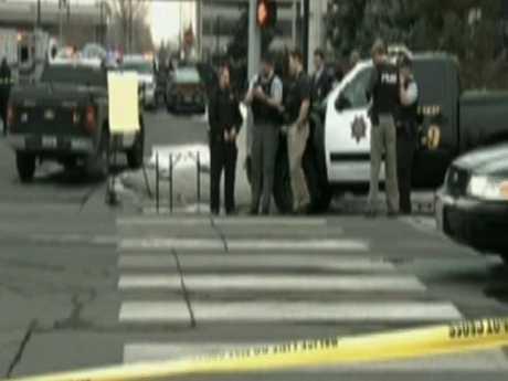 Hiện trường vụ xả súng gần Trung tâm Y tế Khu vực Renown