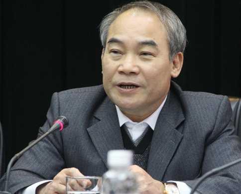 Thứ trưởng Nguyễn Vinh Hiển chia sẻ về những phương án đổi mới thi tốt nghiệp 2014 (Ảnh: Phạm Thịnh)