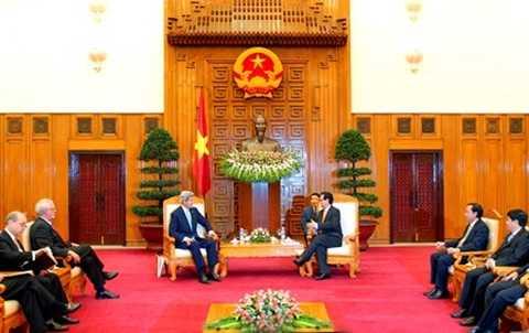 Thủ tướng Nguyễn Tấn Dũng và Ngoại trưởng Hoa Kỳ John Kerry. Ảnh VGP/Nhật Bắc