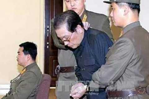 Ông Jang Song-Thaek tại phiên tòa quân sự ở Bình Nhưỡng ngày 12/12
