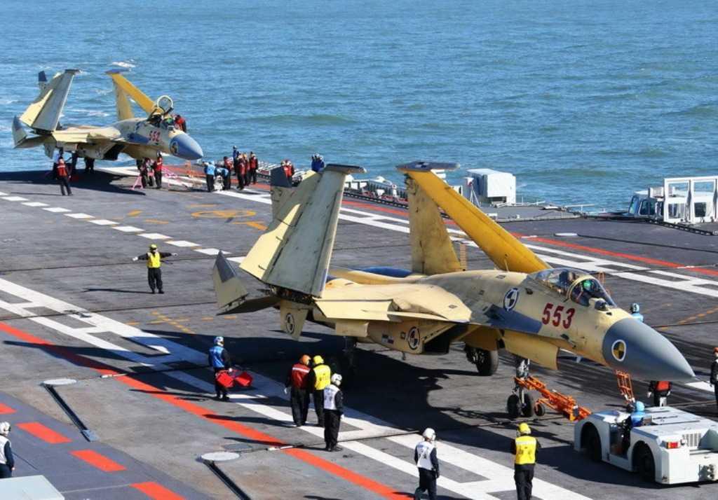 Trung Quốc chưa quyết định thay thế chiến cơ J-15 bằng J-31