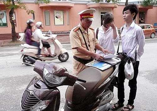 Giảm nhiều mức phạt vi phạm giao thông từ 1/1/2014 (Ảnh minh họa: Internet)