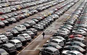 TP. HCM vừa  thông qua tờ trình về việc giảm lệ phí trước bạ đăng kí lần đầu đối với ô tô chở người dưới 10 chỗ (kể cả lái xe) từ mức 15% xuống còn 10% kể từ ngày 1/1/2014.