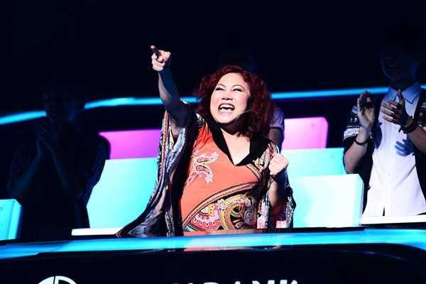Nụ cười của 'hoạ mi núi rừng' được trưng trổ ở khắp các cuộc thi khác như The winner is...