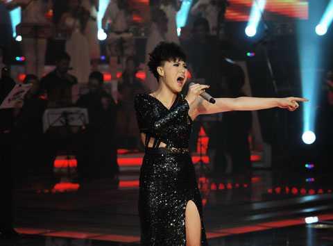 Phương Linh trên sân khấu Giọng hát Việt 2012