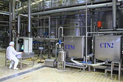 Hệ thống quy trình chế biến sữa chua Vinamilk được điều khiển bằng hệ thống thiết bị hiện đại theo tiêu chuẩn Châu Âu