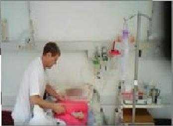 Một bác sĩ bị bắt quả tang bạo hành bệnh nhân