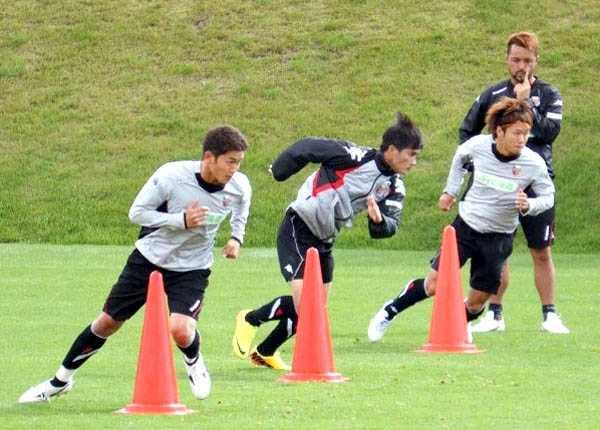 Công Vinh tập luyện ở Nhật