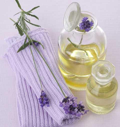 Mặt nạ tinh dầu oải hương và mật ong
