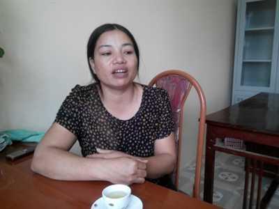 Cô Khổng Thị Loan trao đổi với PV.
