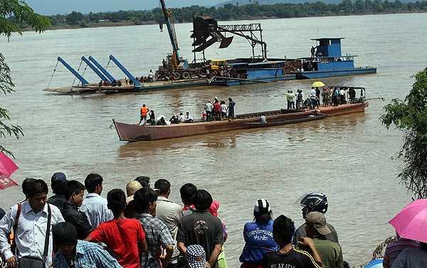Công tác cứu hộ trên sông Mekong