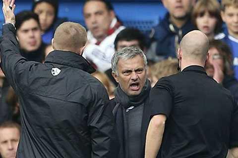 Mourinho bị phạt 8000 bảng