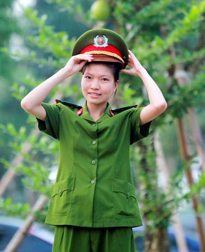 Nữ thủ khoa Học viện Cảnh sát nhân dân - Phạm Thị Hồng Lam
