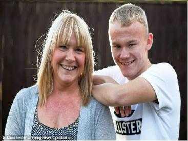 Karen Cooper và con trai