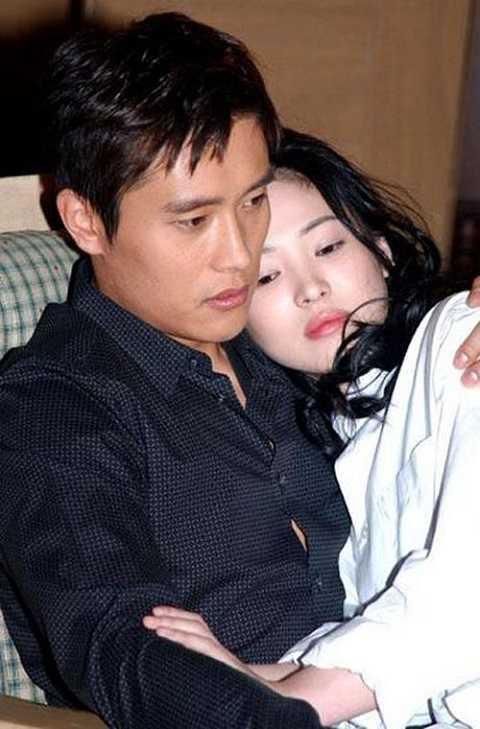 Song Hye Kyo - Lee Byung Hun được xem là cặp đôi đẹp nhất cả trên màn ảnh và ngoài đời thực.