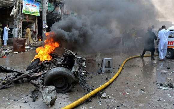 Hiện trường vụ đánh bom ở Pakistan cuối tháng 9
