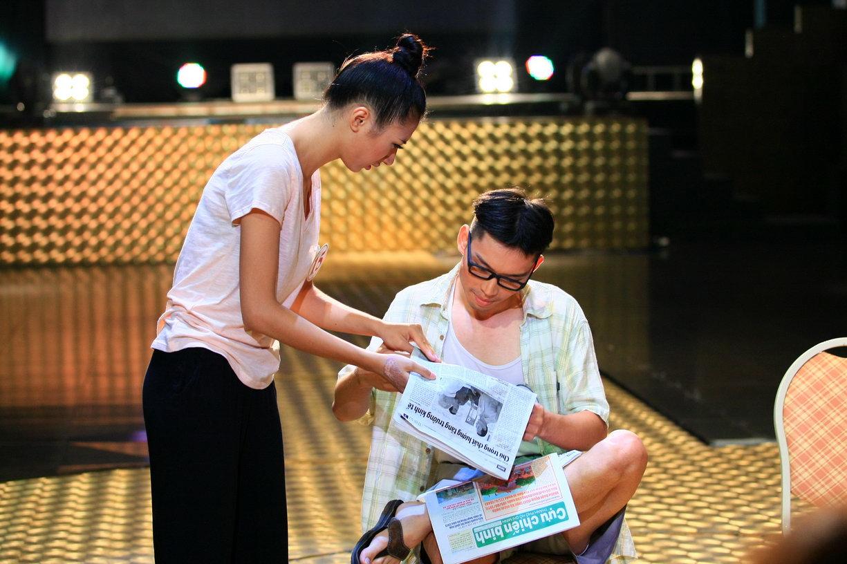 Trần Việt Linh trong phần thi Tình huống được đạo diễn Lê Hoàng đánh giá cao
