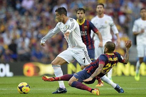 Ronaldo bị chăm sóc rất kỹ ở trận này