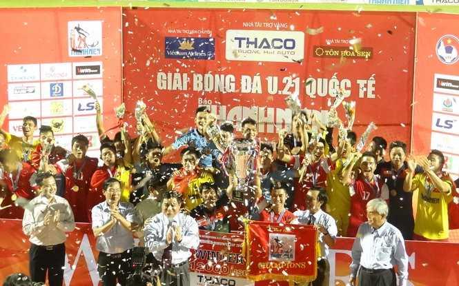 U21 Báo Thanh Niên Việt Nam giành chức vô địch (Ảnh: Thanh Niên)