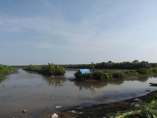 Ông Vươn yêu cầu UBND huyện Tiên Lãng bồi thường theo Luật trách nhiệm bồi thường nhà nước vì ban hành trái quyết định thu hồi đất nuôi trồng thủy sản của gia đình mình trái pháp luật