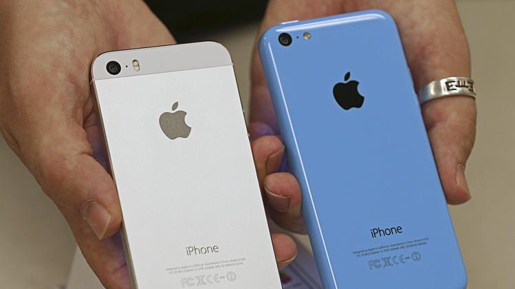 iPhone 5s và 5c sẽ chưa có hàng chính hãng tại Việt Nam, ít nhất là cho tới thời điểm 1/11/2013