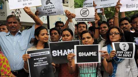 Các nhà báo Ấn Độ biểu tình phản đối vụ hiếp dâm tập thể một nữ đồng nghiệp ở Mumbai