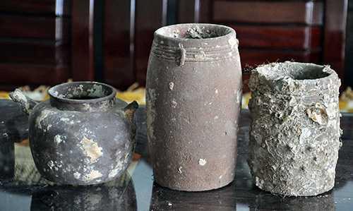 Các cổ vật được vớt từ đáy sông Trường Giang và cửa An Hòa. Ảnh: Báo Quảng Nam