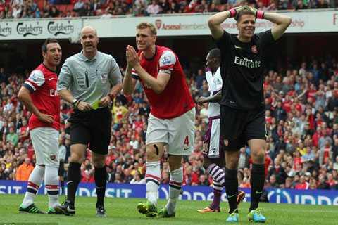 Arsenal hiện tại công yếu và thủ cũng dở