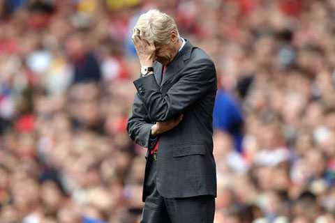 Arsene Wenger vẫn chẳng biết mua ai