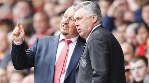 Rafa Benitez (trái) và Ancelotti đang trong vòng quay HLV ở châu Âu