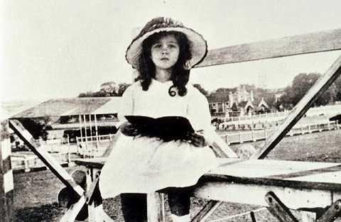 Vivien Leigh thời thơ ấu.
