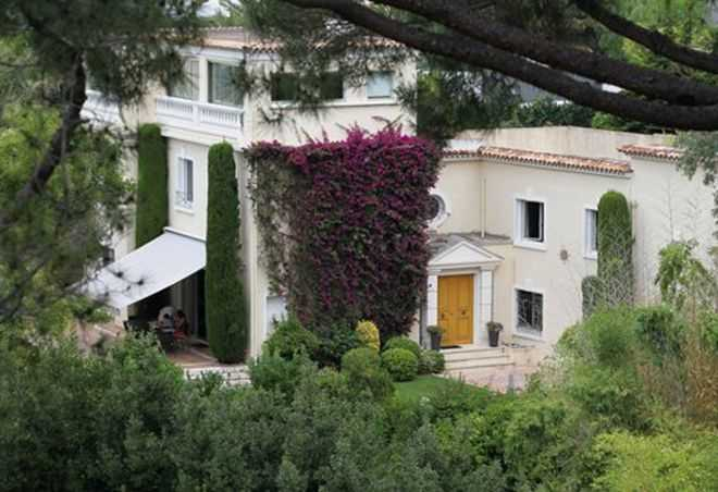 Khu vườn của biệt thự có diện tích rộng tới 4.000 m2.