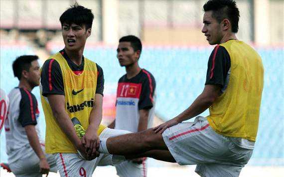 Hai cầu thủ Việt kiều khó lòng về chơi ở V-League (Ảnh: VSI)