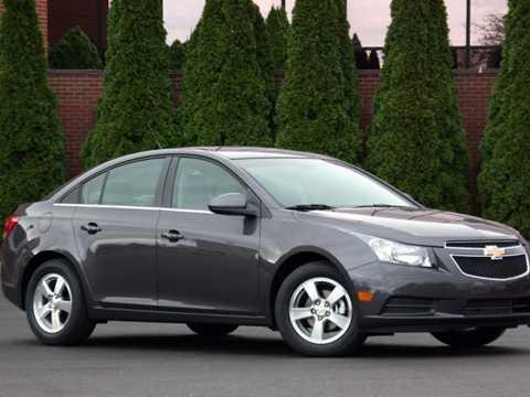 Chevrolet Cruze nhận chiếu thu hồi vì lỗi phanh.