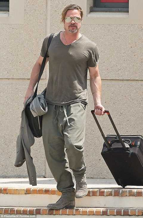 Nam tài tử Brad Pitt vừa đáp chuyến bay tới Pháp để chuẩn bị cho đám cưới.