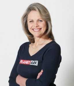 Hiện Rebecca Gilling đang tích cực tham gia các hoạt động vì môi trường.