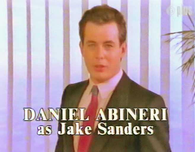 Anh chàng điển trai Jake Sanders trong Trở về Eden phần 2.