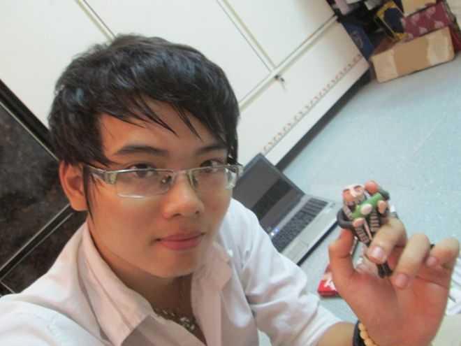 Ngoài kinh doanh, môi giới bất động sản, Trần Anh còn tự làm đồ handmade từ đất sét để bán.