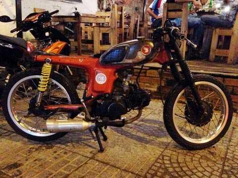 Đây là một trong những chiếc xe máy độ kiểu điên nhất Việt Nam. Ảnh Khánh Hòa