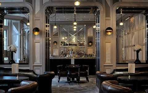 Quán bar Connaught tại khách sạn Connaught, Mayfair, London, Anh