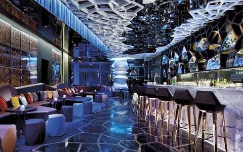 Thiết kế độc đáo trong quán bar Ozone ở Ritz-Carlton Hong Kong