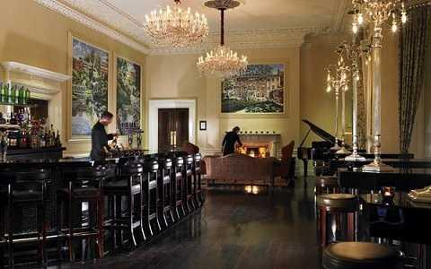 Quán bar tinh tế số 27 Lounge nằm trong khách sạn Shelbourne, Dublin, Ireland