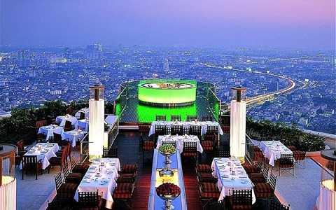 Ngắm toàn cảnh Bangkok trong buổi tối dịu êm tại quán bar thuộc tòa nhà State Tower