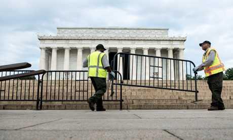 Đài tượng niệm Lincoln là một trong số rất nhiều địa điểm bị đóng cửa