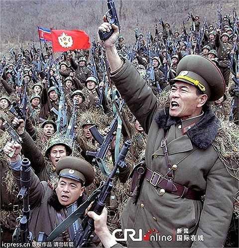 Ngày   21/3, Triều Tiên lại diễn tập tổng báo động toàn dân và đe dọa tấn công   các căn cứ quân sự Mỹ ở Nhật Bản và đảo Guam - Ảnh: KCNA